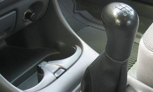 Ventajas y desventajas de los autos de transmisión manual